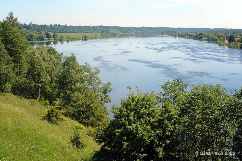 dauguvos upe